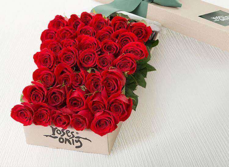 36 Red Roses Romantic Gift Box