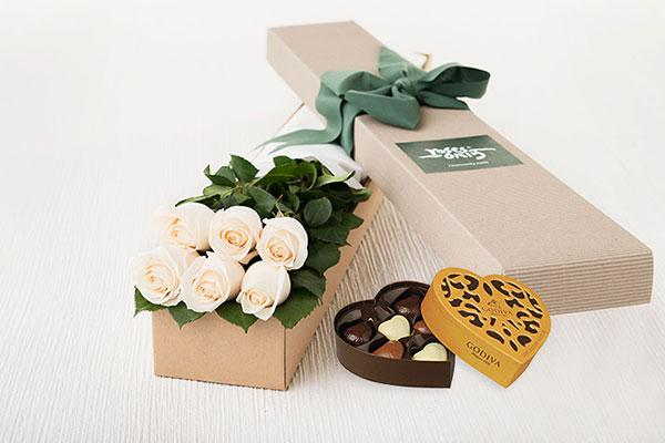 6 White Cream Roses Gift Box & Gold Godiva Chocolates
