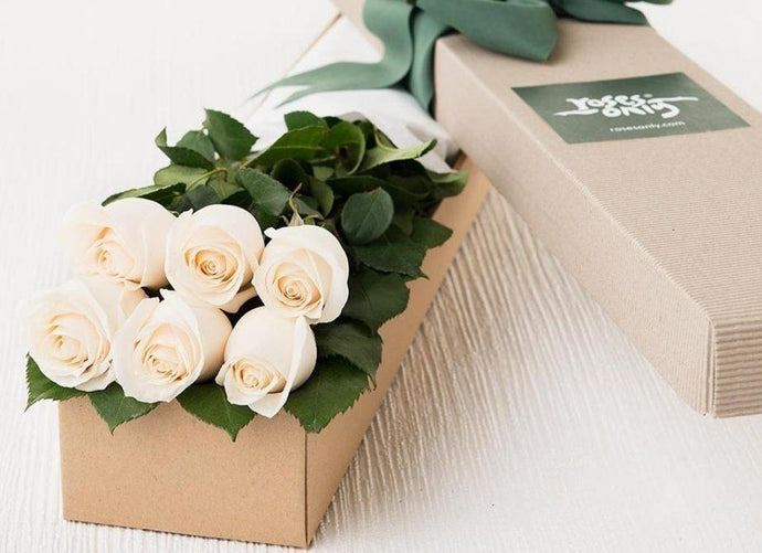 6 White Cream Roses Gift Box - Roses Only