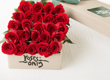 24 RED ROSES GIFT BOX - £89 - Roses Only