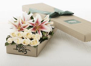 12 Lilies and White Roses Gift Box - Roses Only