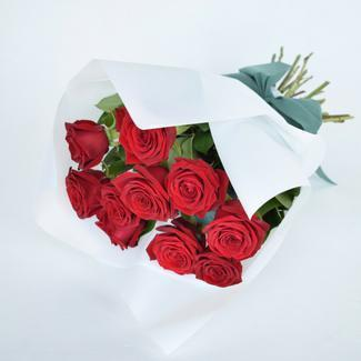 Roses Only Signature Short Roses Bouquets