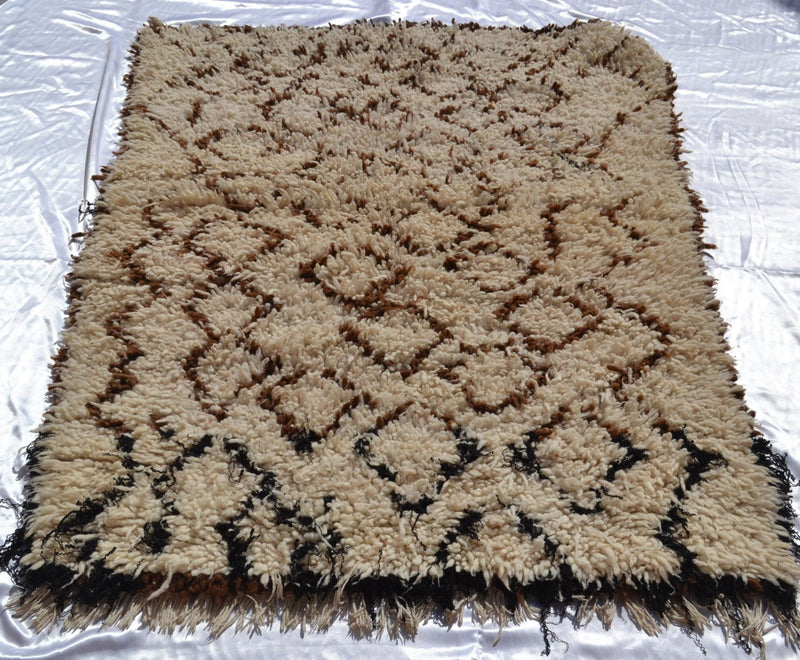 E05# Area Rug Beni Ouarain berber Moroccan carpet Handmade vintage unique handcrafted flooring decorative rug home living art decor