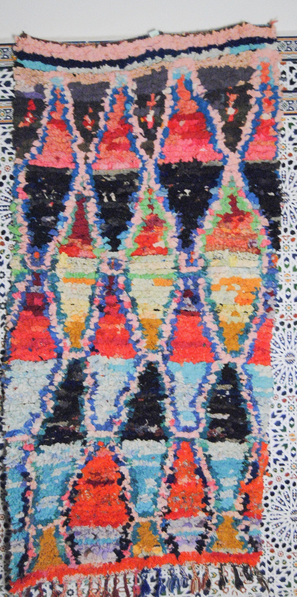 Alernas boucherouite rug tapis berbere psychedelic tapestry moroccan rugs - HammoudRugs