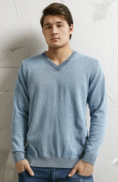 V-NECK PULLOVER  - LIGHT INDIGO BLUE