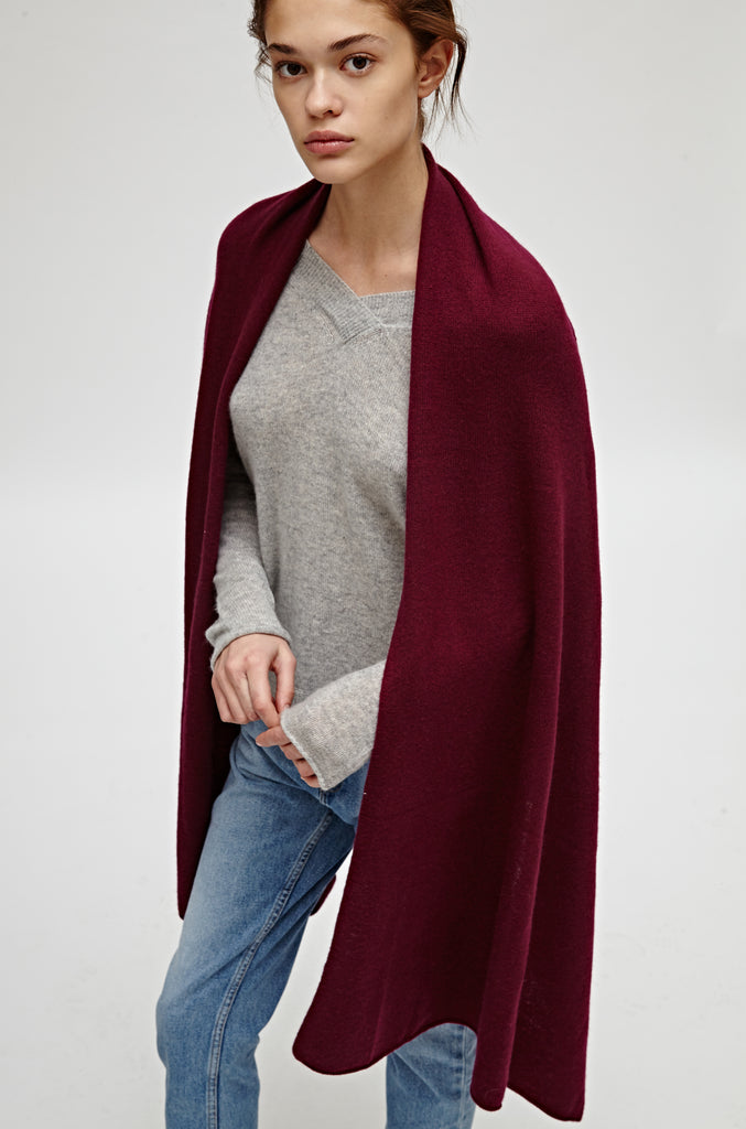 CASHMERE TRAVEL WRAP - MERLOT