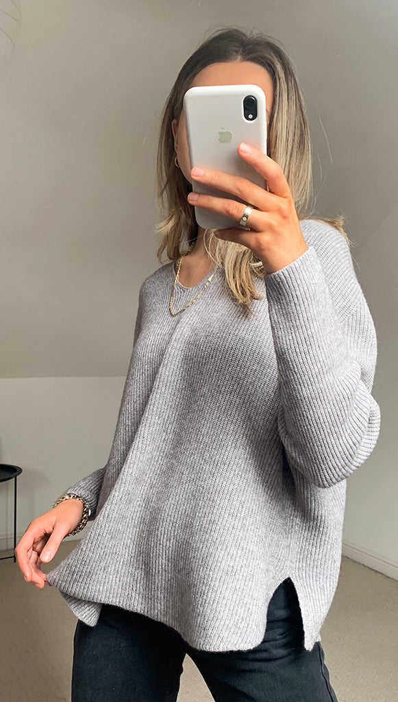 8.00PM SWEATER - SOFT GREY MARL