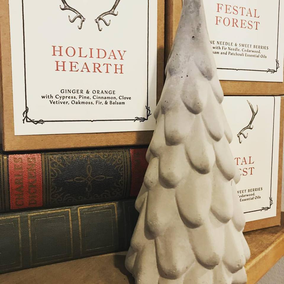 Holiday Hearth Candle - Stoneware