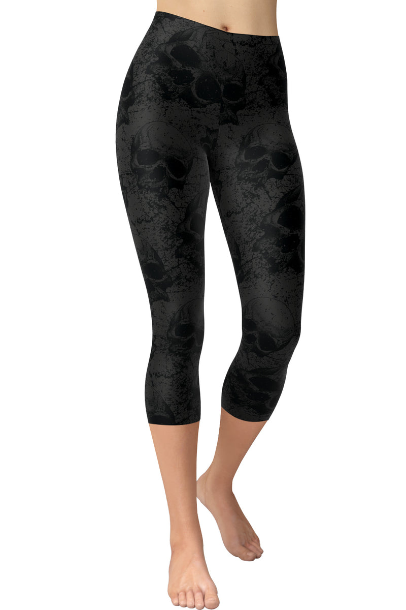 Printed Capris Leggings - Dusty Skulls
