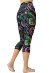 Printed Capris Leggings - Paisley Wildlife