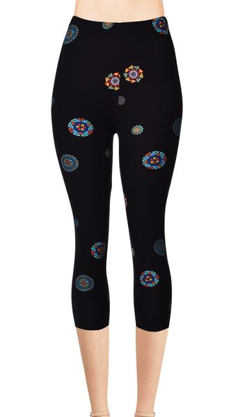 Printed Capris Leggings - Roaming Circles