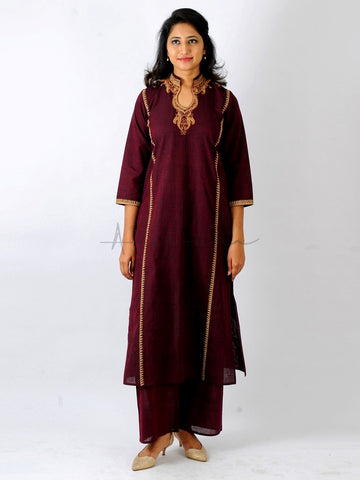 Everyday mangalgiri kurta in Wine with Ambi Dori embroidery