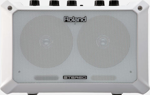 ROLAND MOBILE BA 5-WATT BATTERY-POWERED STEREO AMPLIFIER | Zoso Music