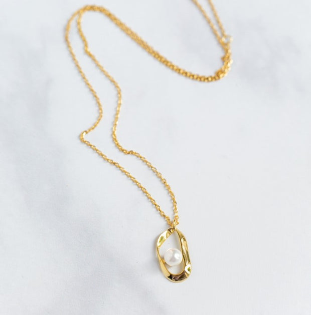 gold pearl pendant necklace