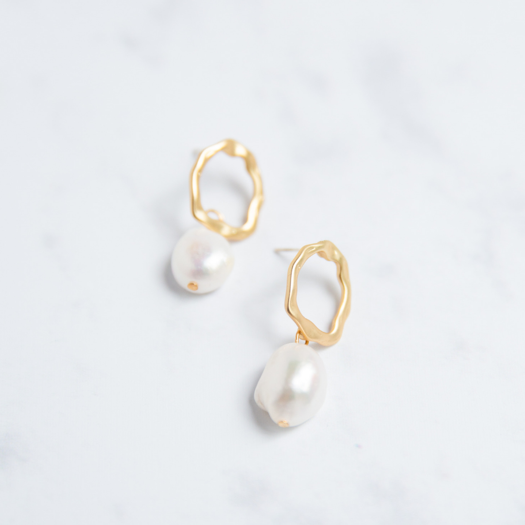 fashion pearl earrings