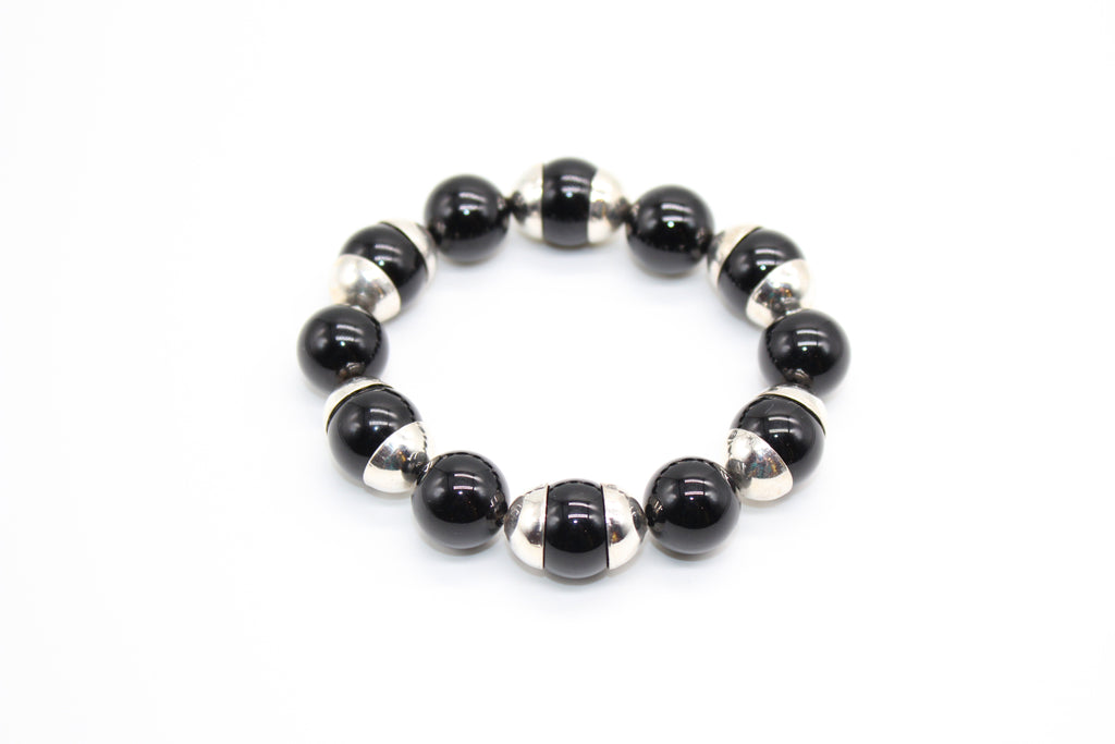 Scarabee Silver Bracelet with Rings and Onyx Stones