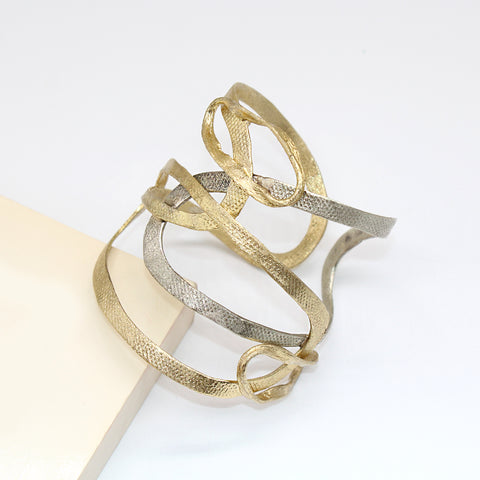 Contemporary Bangle Opus4 Gift in UAE