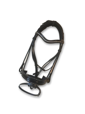 A bit of bling in the ring! Beautiful bridles, horse accessories and tack for dressage lovers