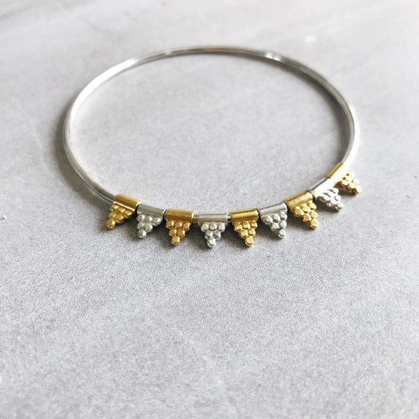 Boudicca Bead bangle Dot Pyramid silver/Gold