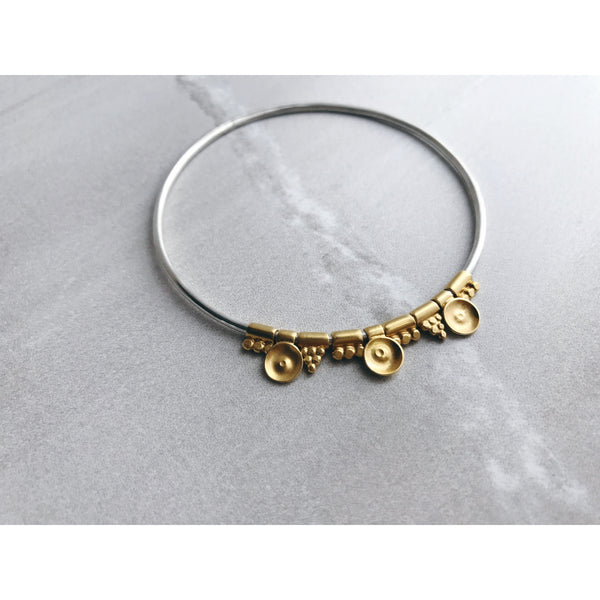 Boudicca Bangle Mixed Gold Beads
