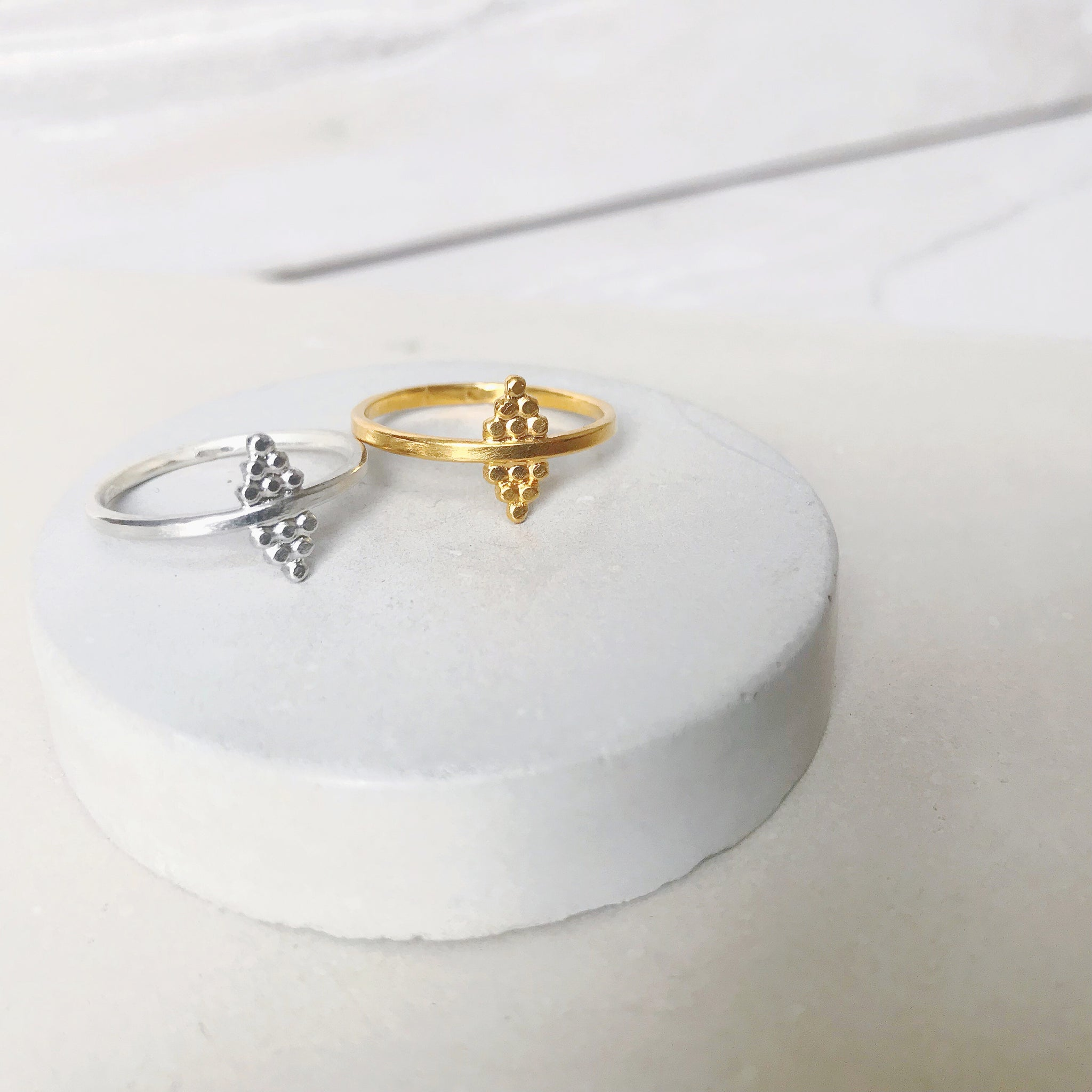 Dot Pyramid Ring