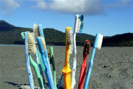 7 Ways Your Plastic Toothbrush Is Evil