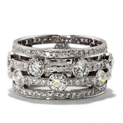 Hearts on Fire Joy Right Hand Diamond Ring Band