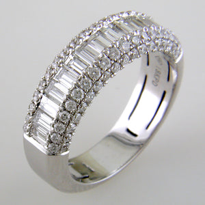 Round & Baguette Diamond Prong Set 18K White Gold Wedding Band Ring