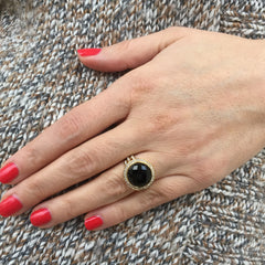 Doves Round Black Onyx 18K Yellow Gold Diamond Halo Ring model