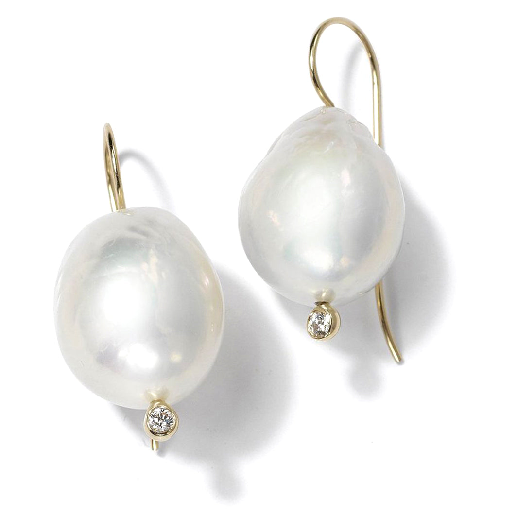 Mizuki Sea of Beauty French wire White Freshwater Pearl and Diamond Earring