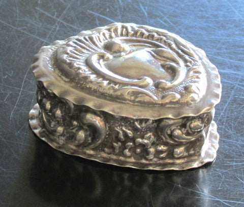 English Sterling Silver Hinged Powder Puff Box C. 1899