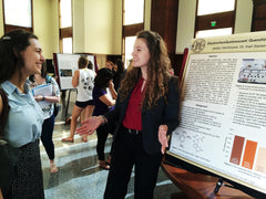 Jaclyn DeVincent presenting her chemistry research at SURF