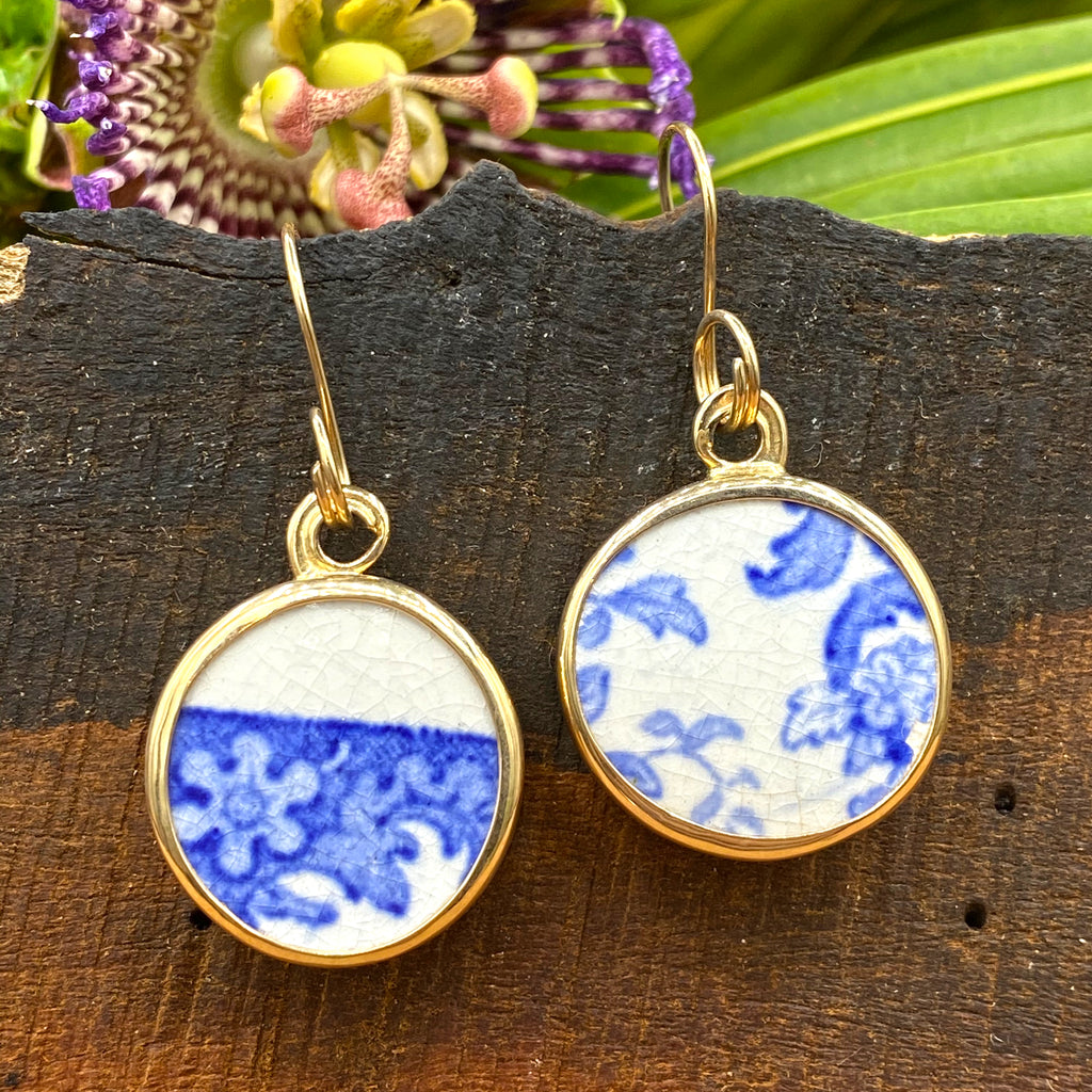 Antique Tea Cloth 14k Gold Earrings