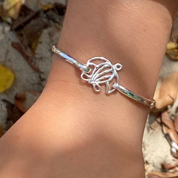 Turtle 3mm Latching Bracelet