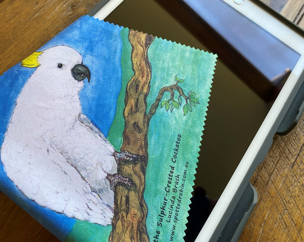 Microfibre Eyeglass Cleaning Cloth - Waru the Sulphur-crested Cockatoo