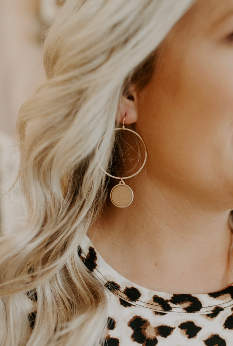 Unforgettable Earrings : Camel