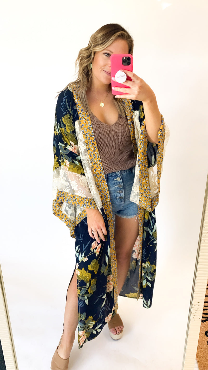 Spin You Around Kimono : Navy