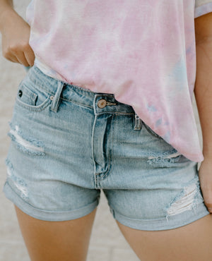 Picture Perfect Shorts : Light Wash