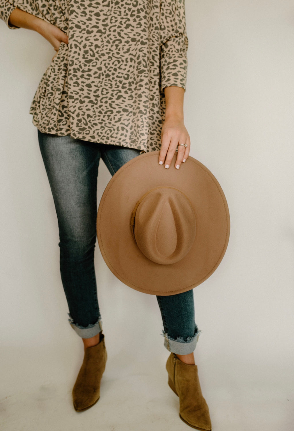 Over With Hat : Dk Taupe