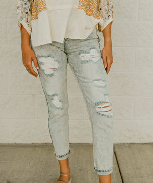 Too Blessed Mom Jeans : Light Wash