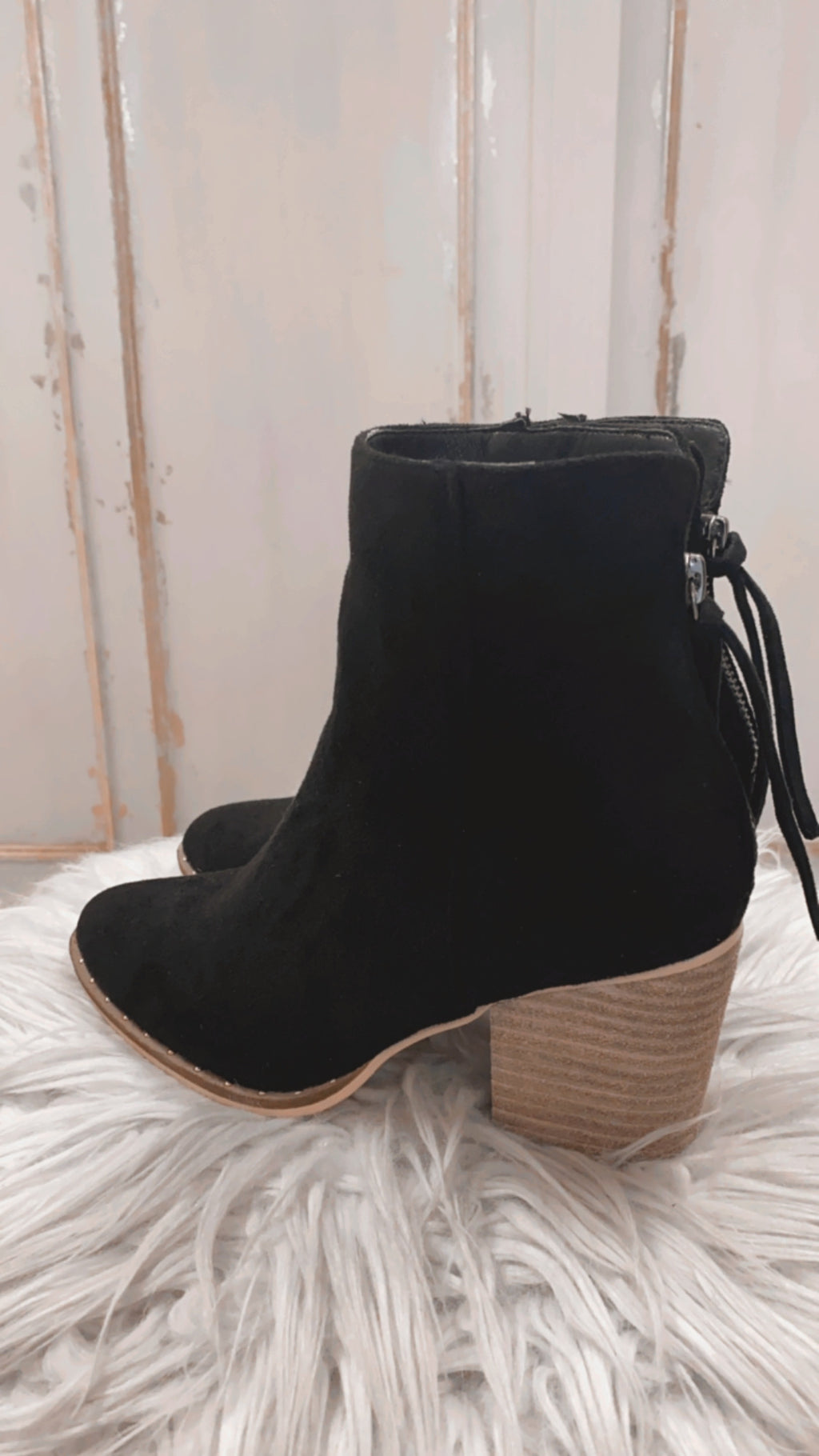 Believe In You Booties : Black