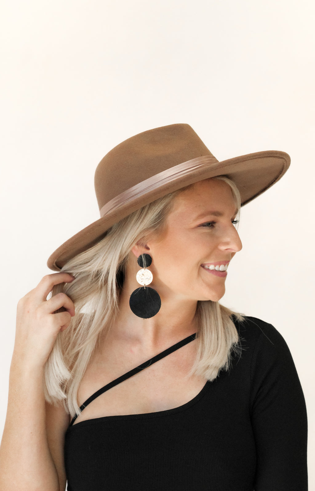 Never Again Hat : Dark Taupe