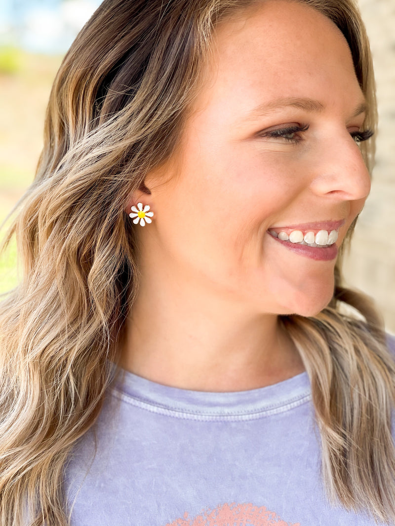 Cover Me In Daisies Earrings