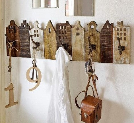 European Village Wooden Hook Rack