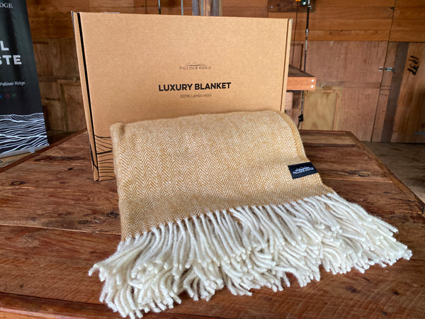 Palliser Ridge Luxury Lambs' Wool Blanket