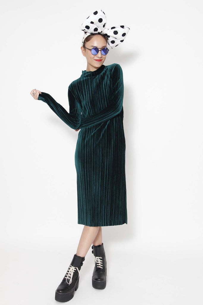 Dark green velvet dress - whysocool