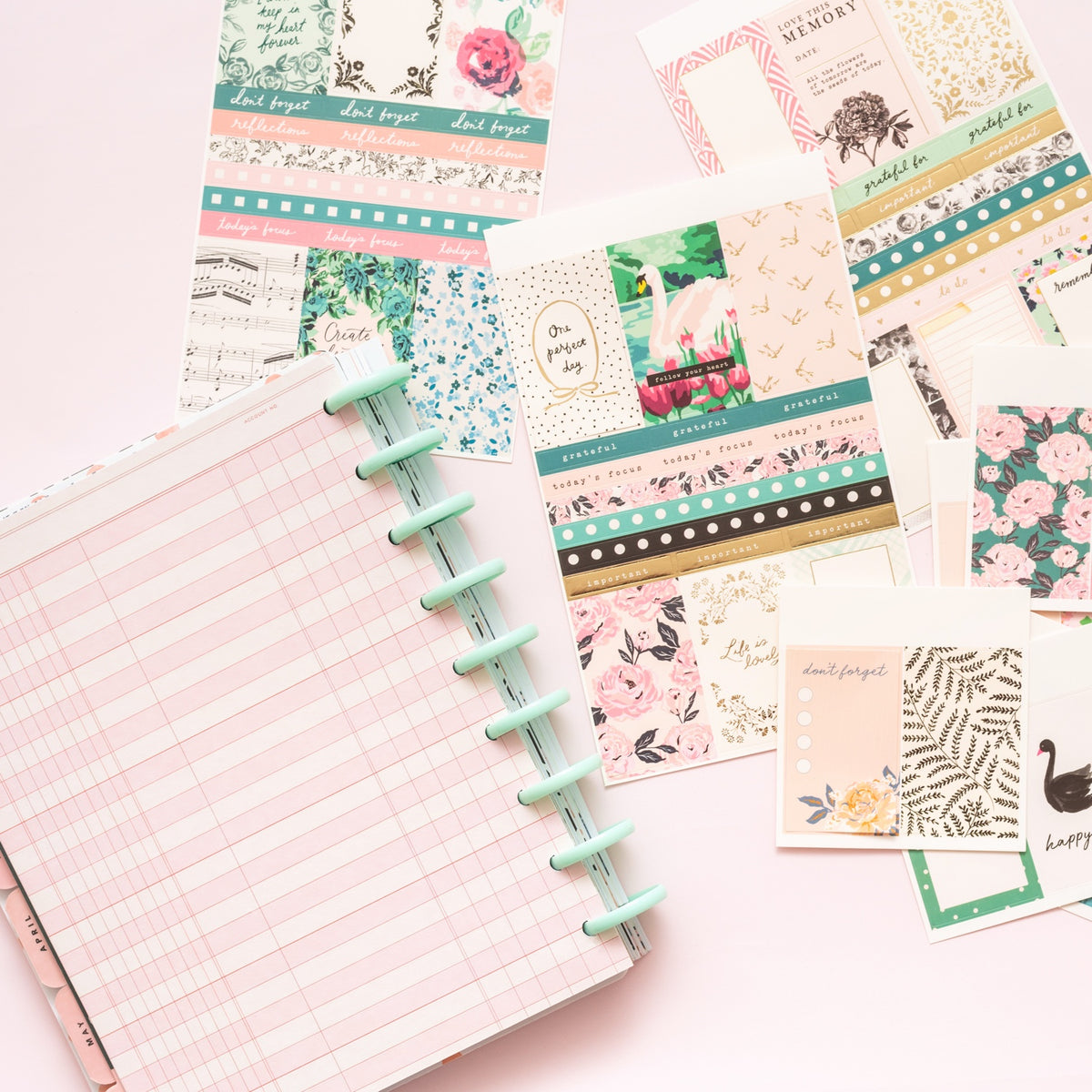 MAGGIE HOLMES DAY-TO-DAY PLANNER STICKER BOOK : ICONS