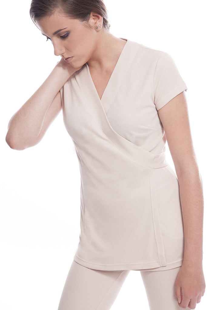 SAO PAULO Tunic (Beige), Profil - shows the comfort provided by this Spa Tunic.