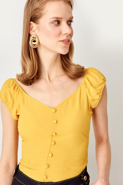 Trendyol Yellow Button Detail Bluz TWOSS19YD0077