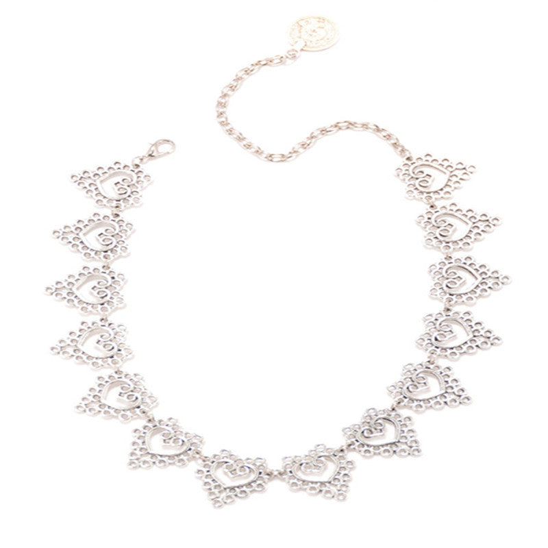 Hollow Lace Peach Heart Coin Boho Women's Short Choker Charm Clavicle Chain Jewelry Silver
